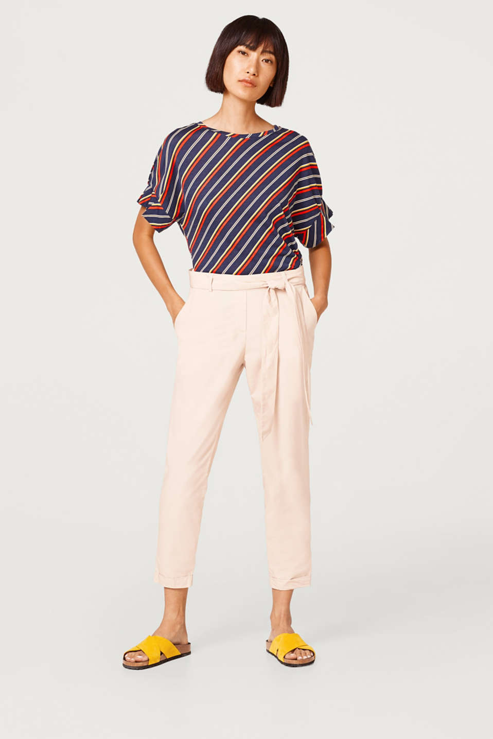 Esprit - Cotton chinos with a belt