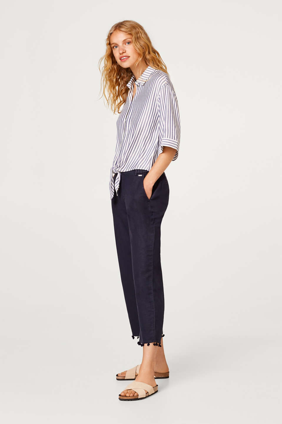 Esprit - Linen blend: Chinos with pompom hems