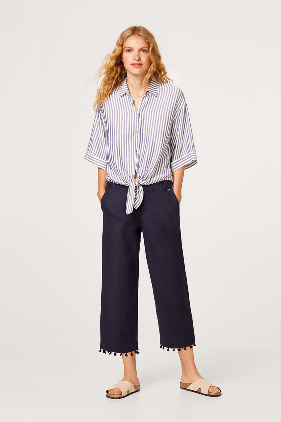 Linen blend: Chinos with pompom hems