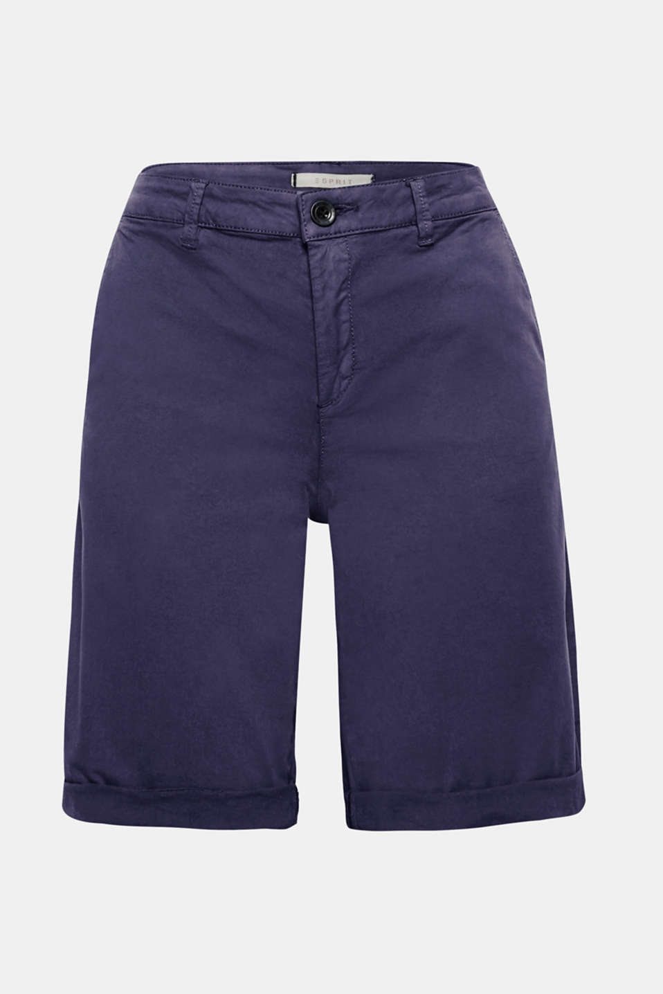 Your summer essential for free time and holidays: Bermuda shorts in a garment-washed look made of soft stretch cotton.
