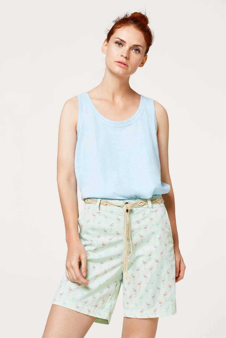 Esprit - Casual shorts with a print and macramé belt