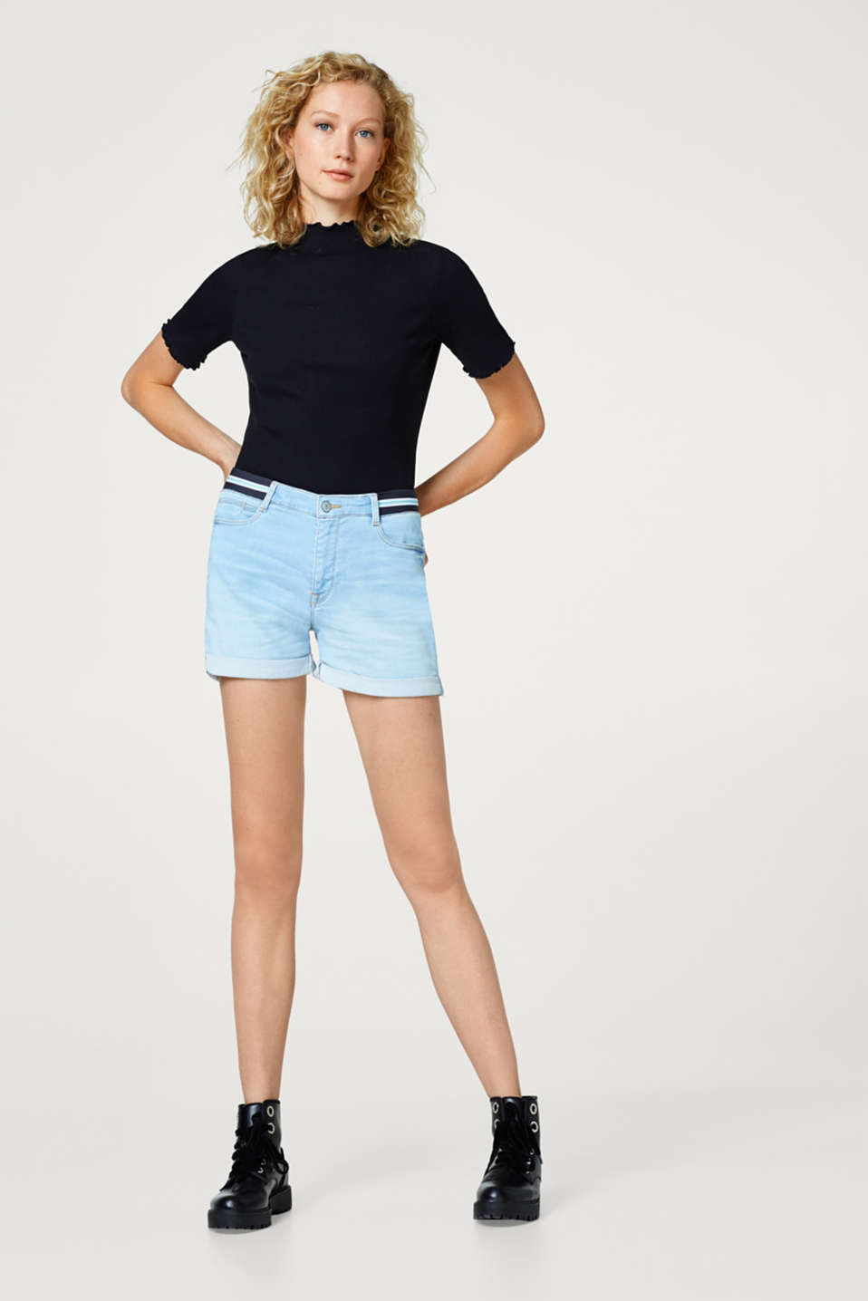 Esprit - Stretch denim shorts with an elasticated waistband