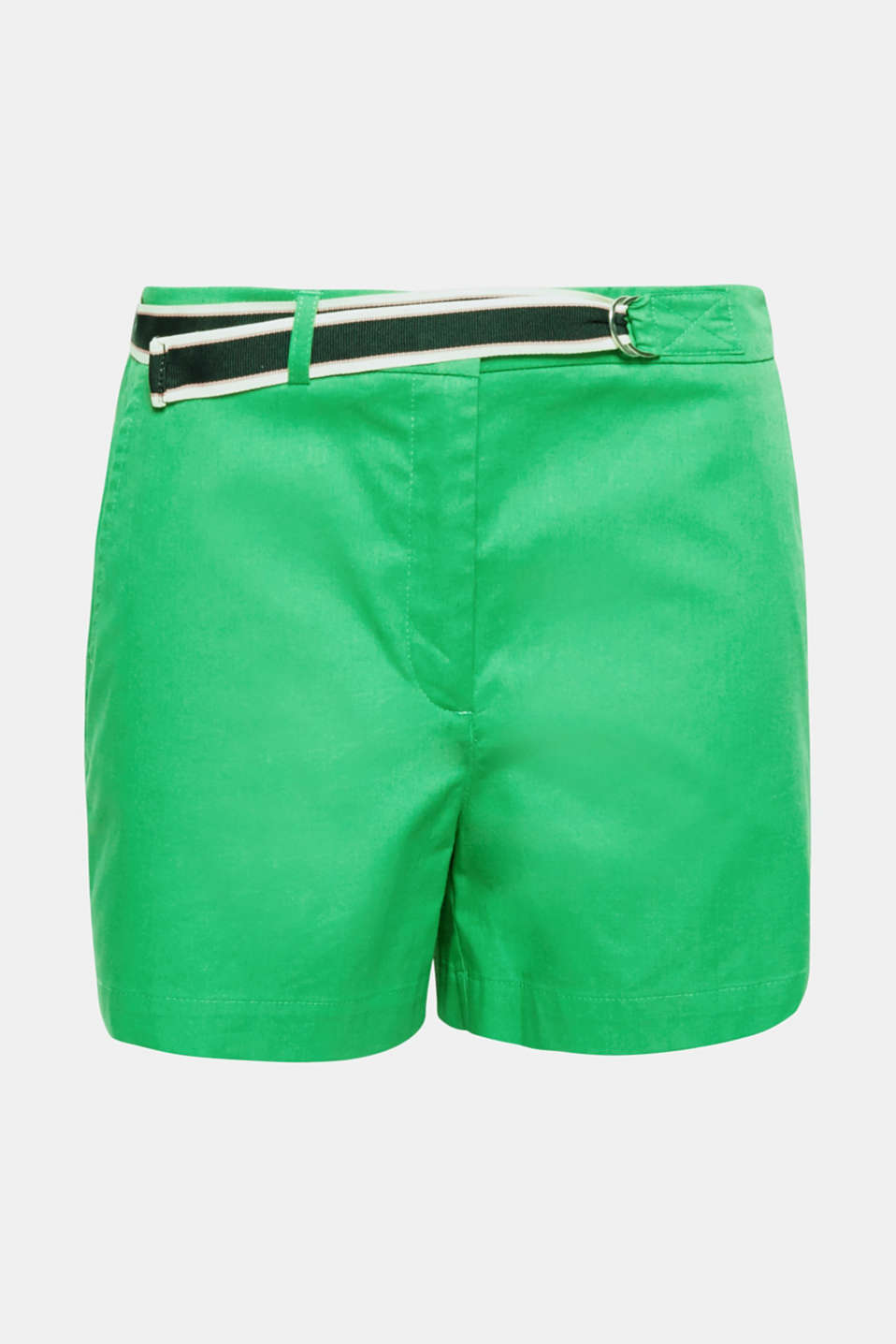 Shorts are cool and now come with great details! This pair has an asymmetrically fixed woven tape belt and side hem slits.