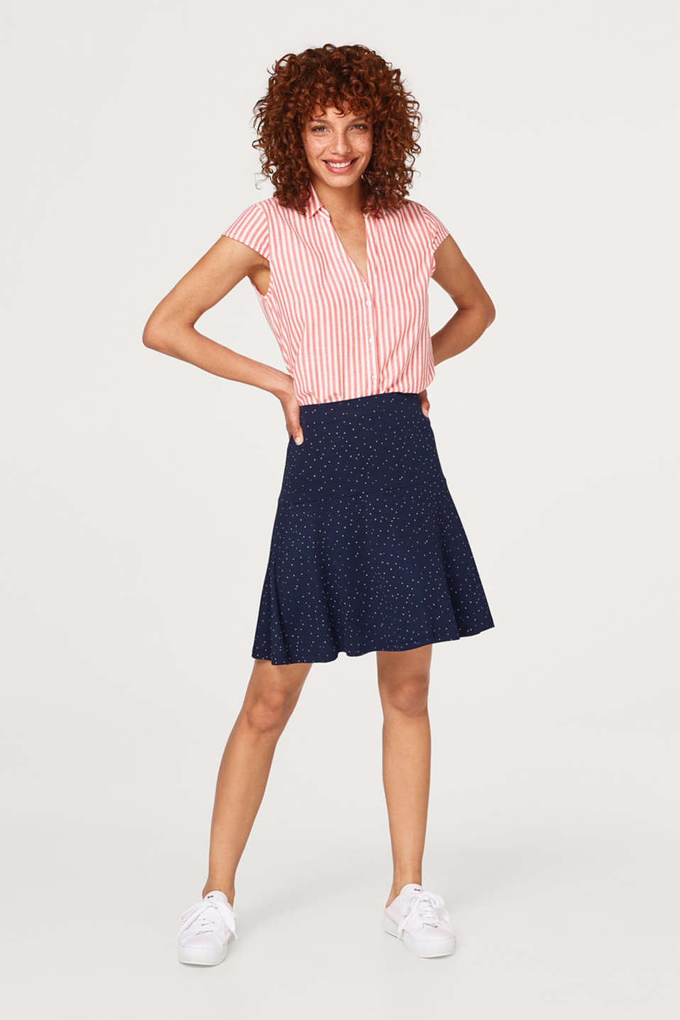 Swirling jersey skirt with stretch