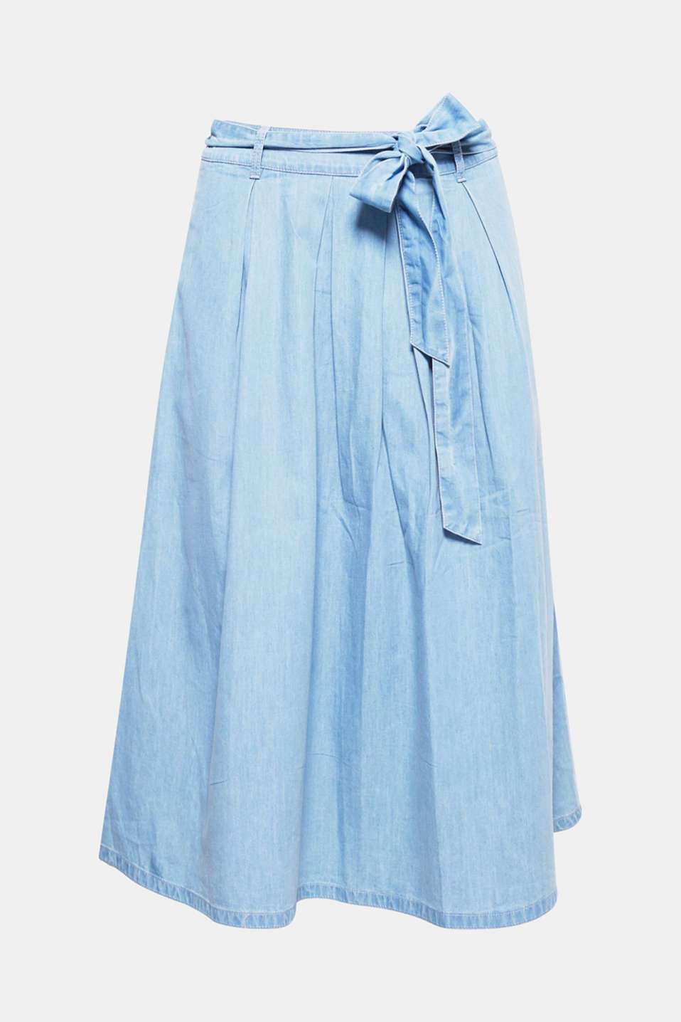 Fresh, swirling summer style! With this midi skirt in flowing denim-effect cotton you will always look airy, light and super stylish when you are out and about.
