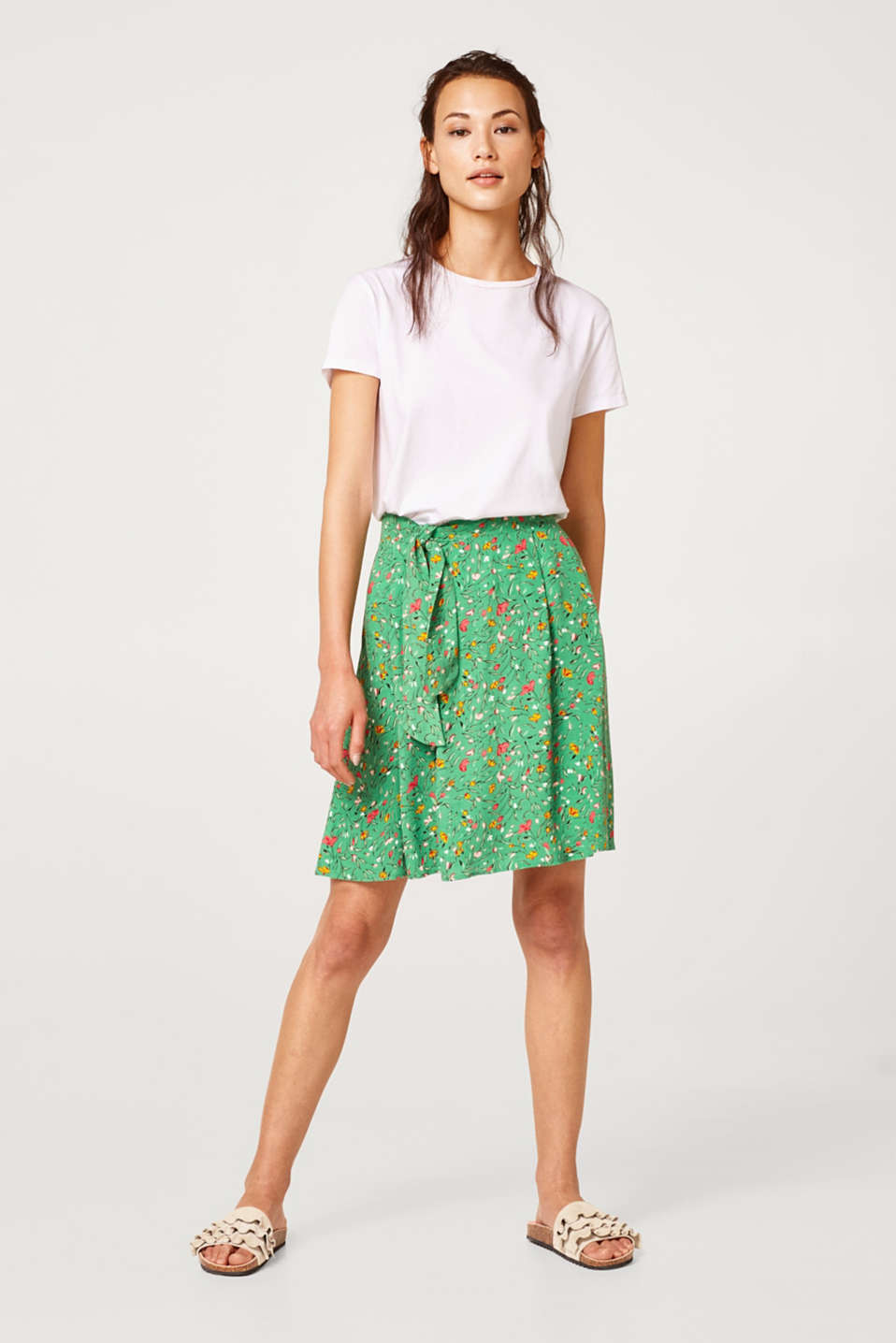 Flared woven skirt with bow detail