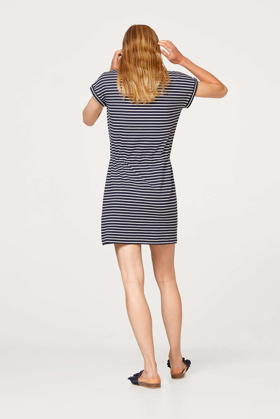Jersey dress with a breast pocket and a drawstring waist