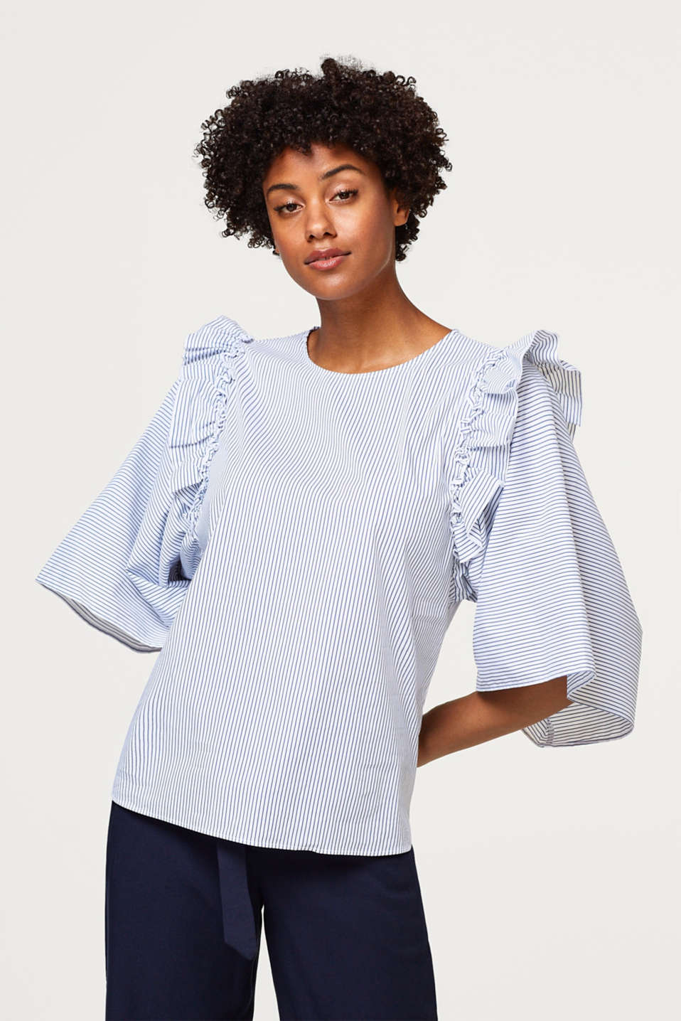 Esprit - Stretchy blouse with extra wide sleeves
