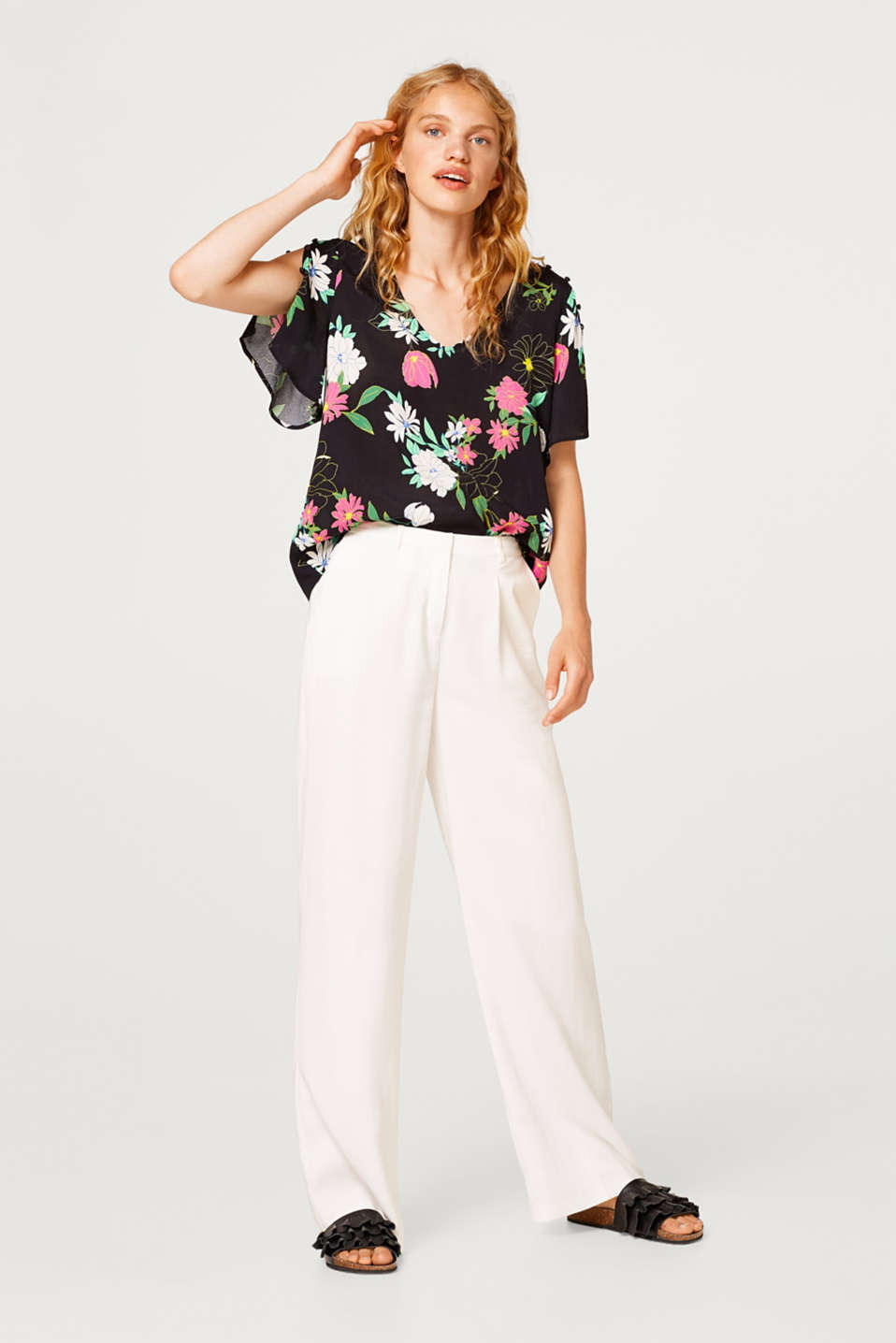 Floral crêpe blouse with cap sleeves