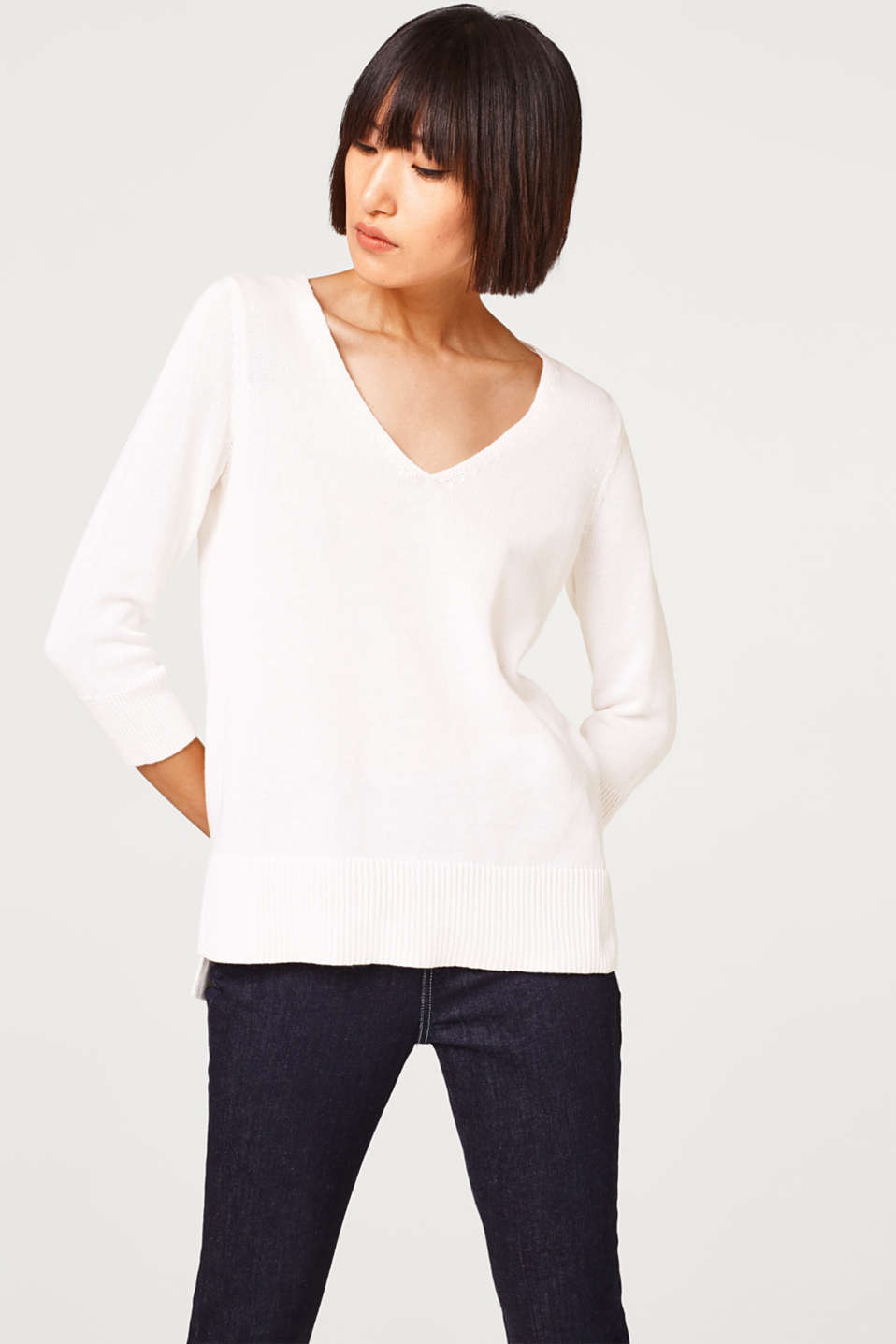 Esprit - V-neck jumper with neckband at the back, 100% cotton
