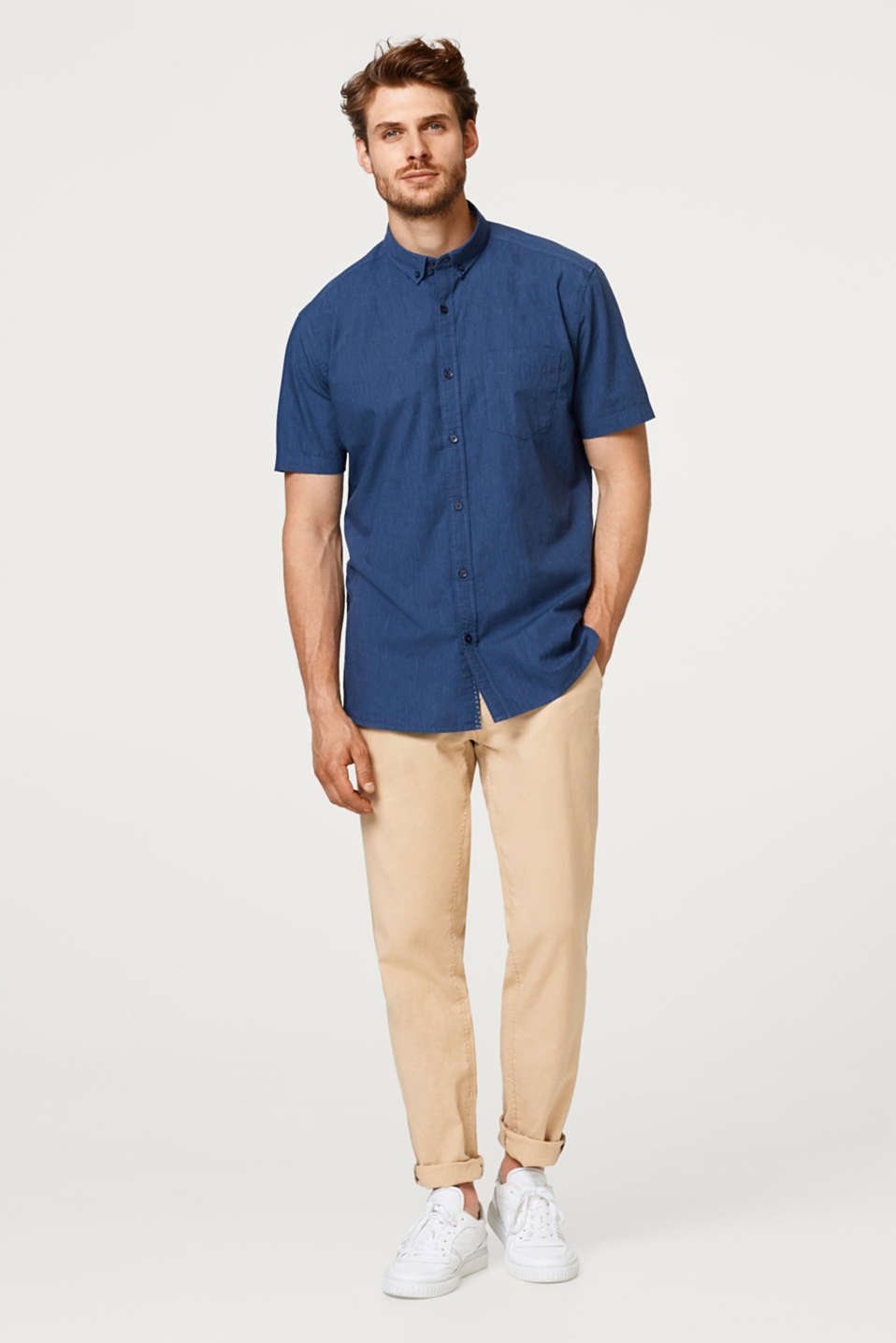 Short sleeve cotton shirt with a button-down collar