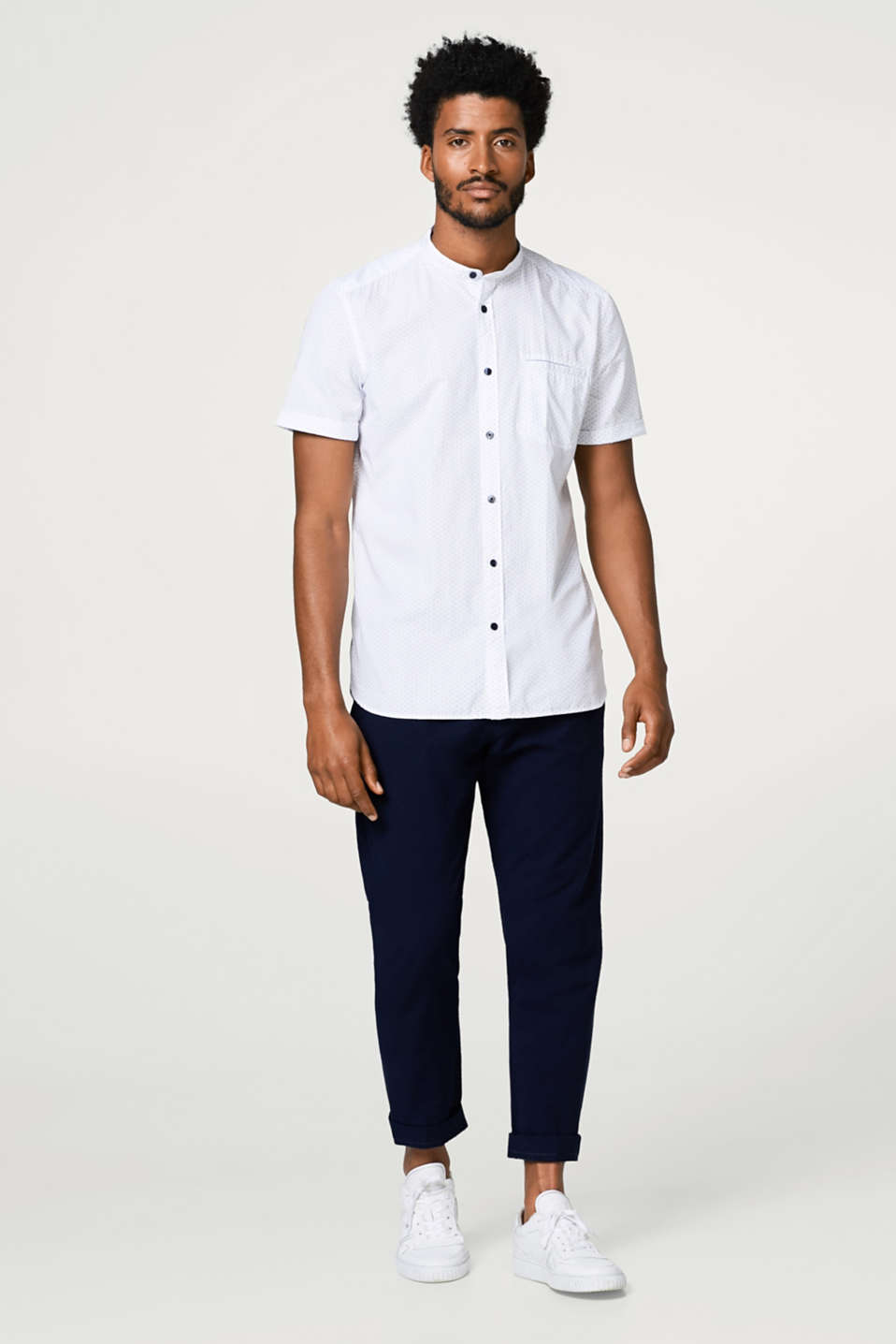 Short sleeve shirt with a fine all-over print