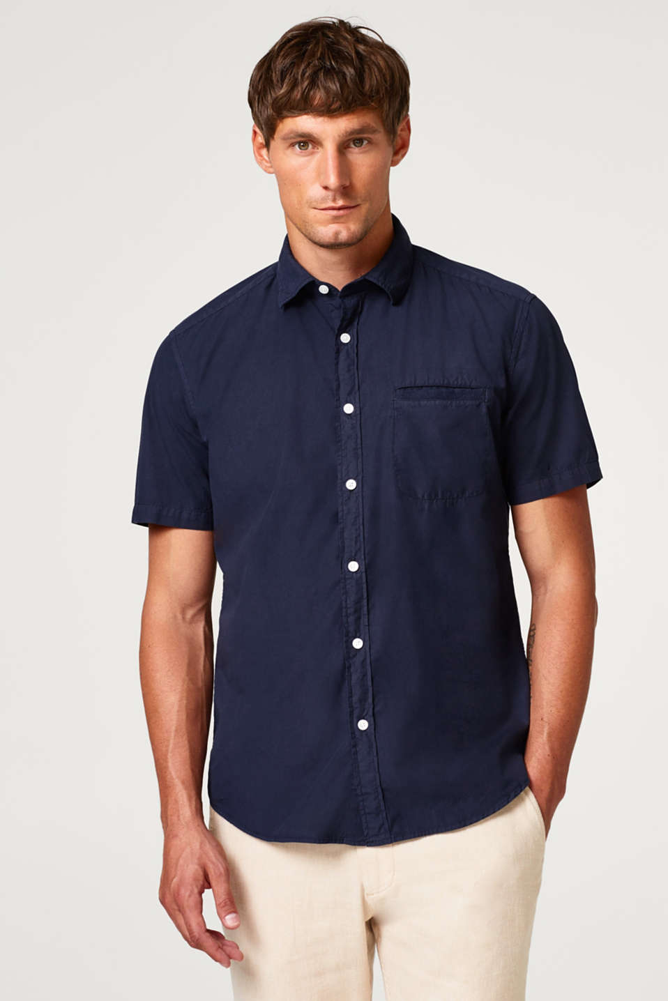Esprit - Short sleeve shirt with breast pocket, 100% cotton