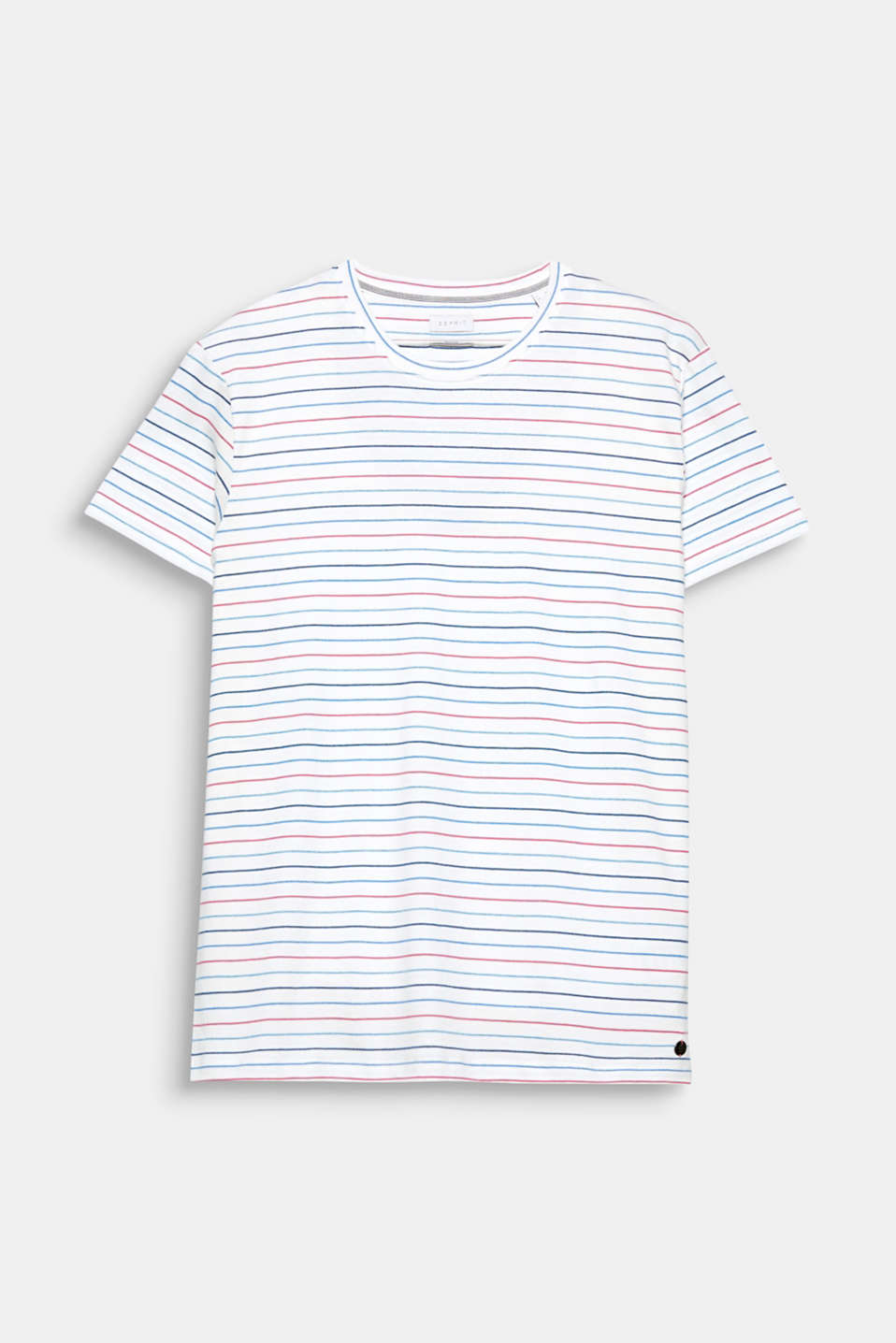 A sporty fashion basic: T-shirt with fine stripes, made of 100% cotton.