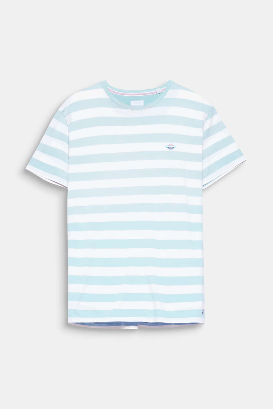 Bold stripes with colour gradation make this T-shirt really eye-catching.