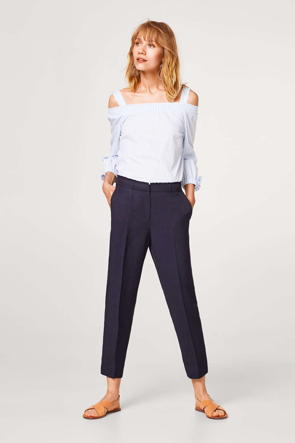 Esprit - FEMININE STYLE mix + match trousers with a frilled trim