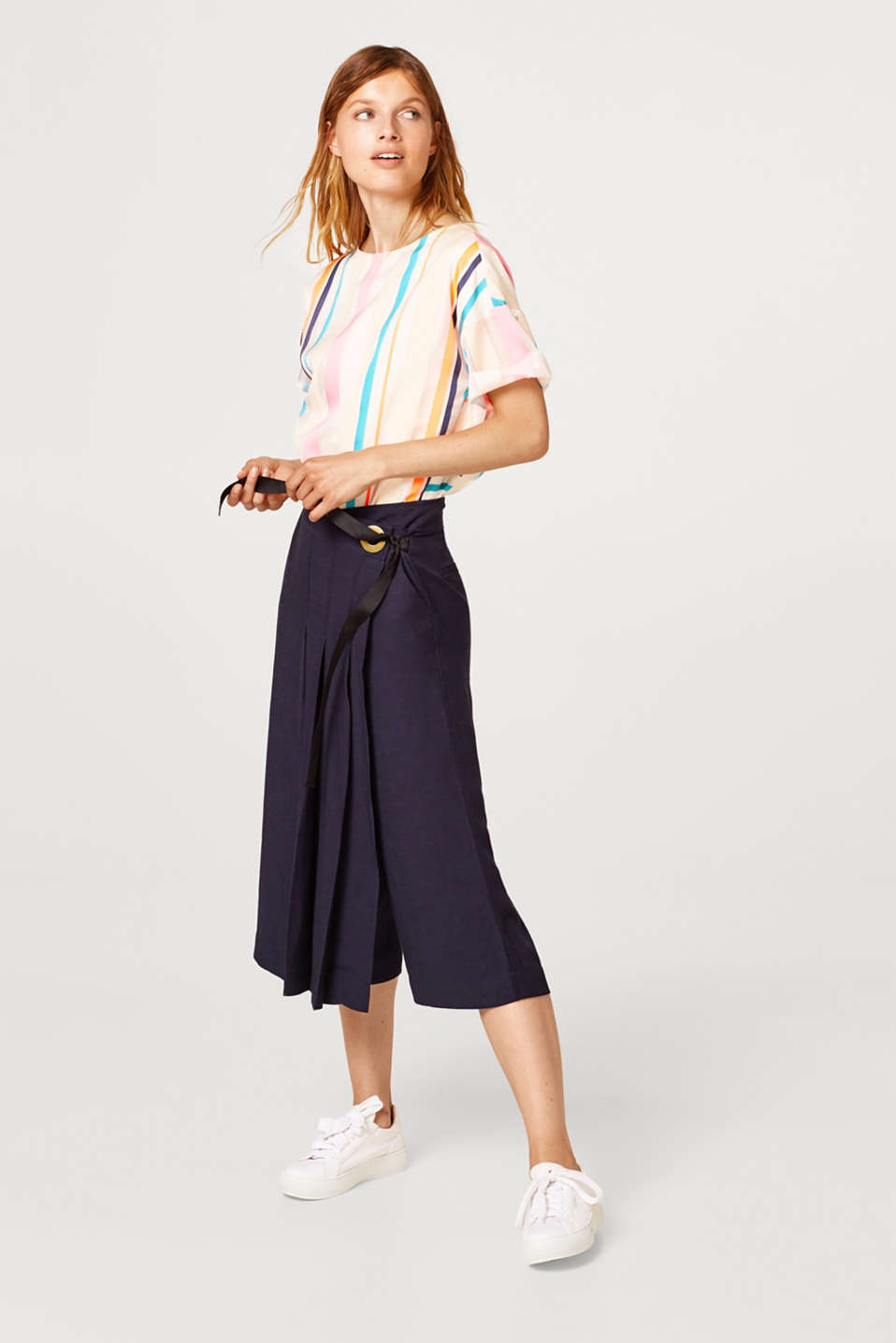 Linen blend: Culottes with pleated section