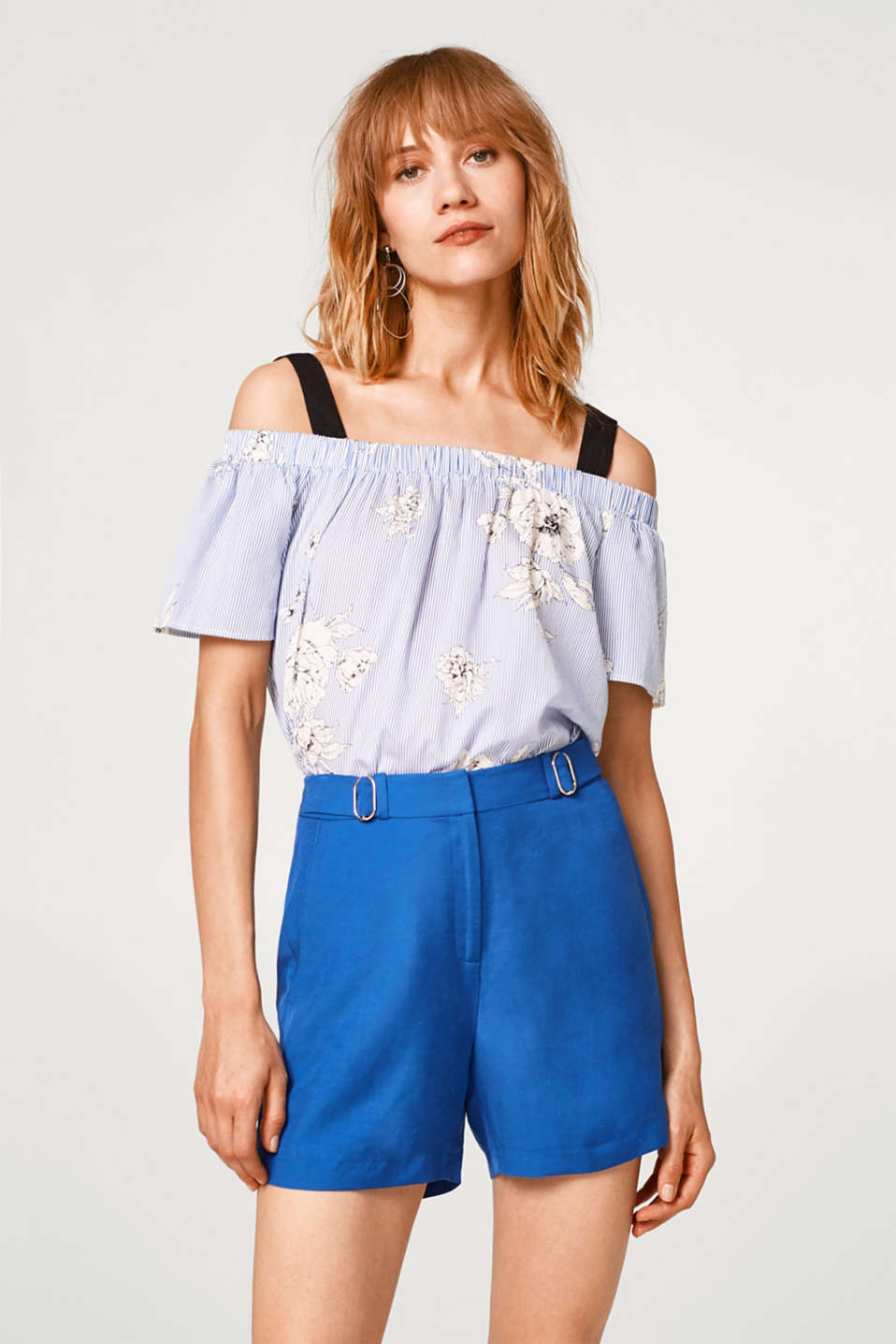 Esprit - SUMMER OUTFIT mix + match shorts with decorative buckles