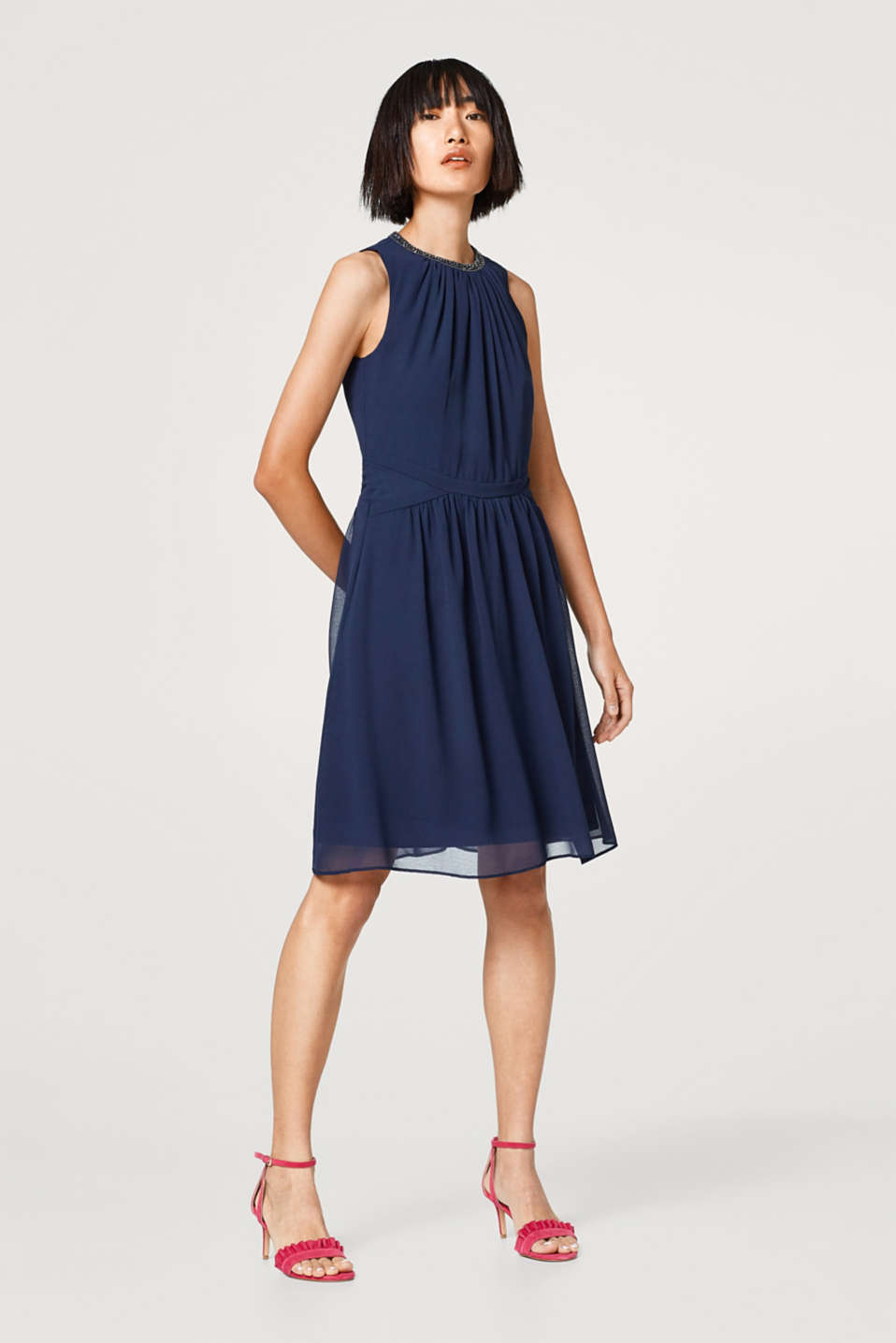 Esprit - Chiffon dress embellished with rod-shaped sequins