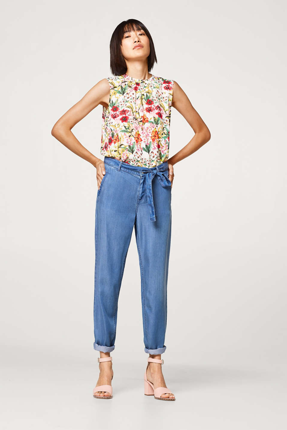 Delicate blouse top with a flower print