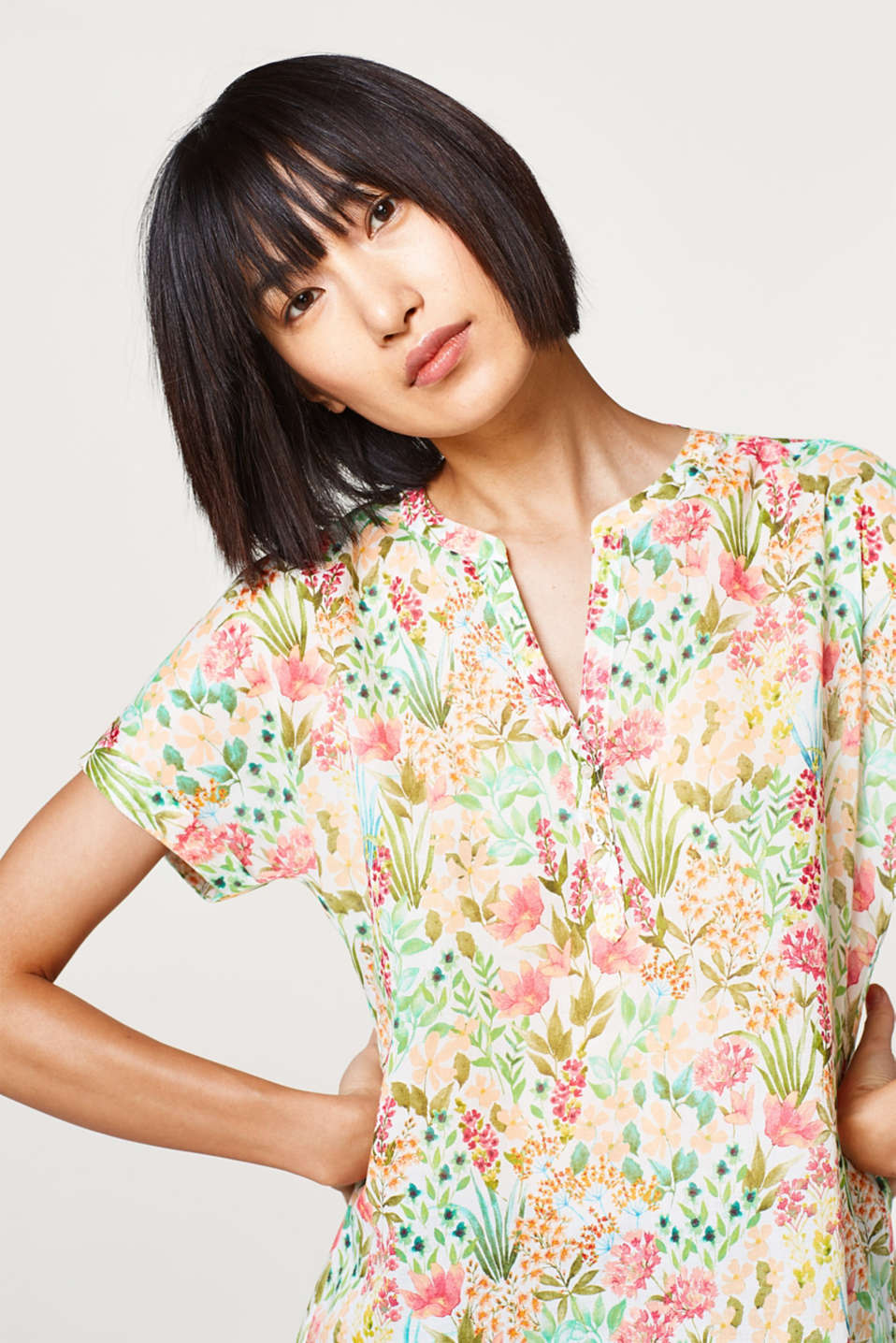 Esprit - Henley blouse with floral print, 100% cotton