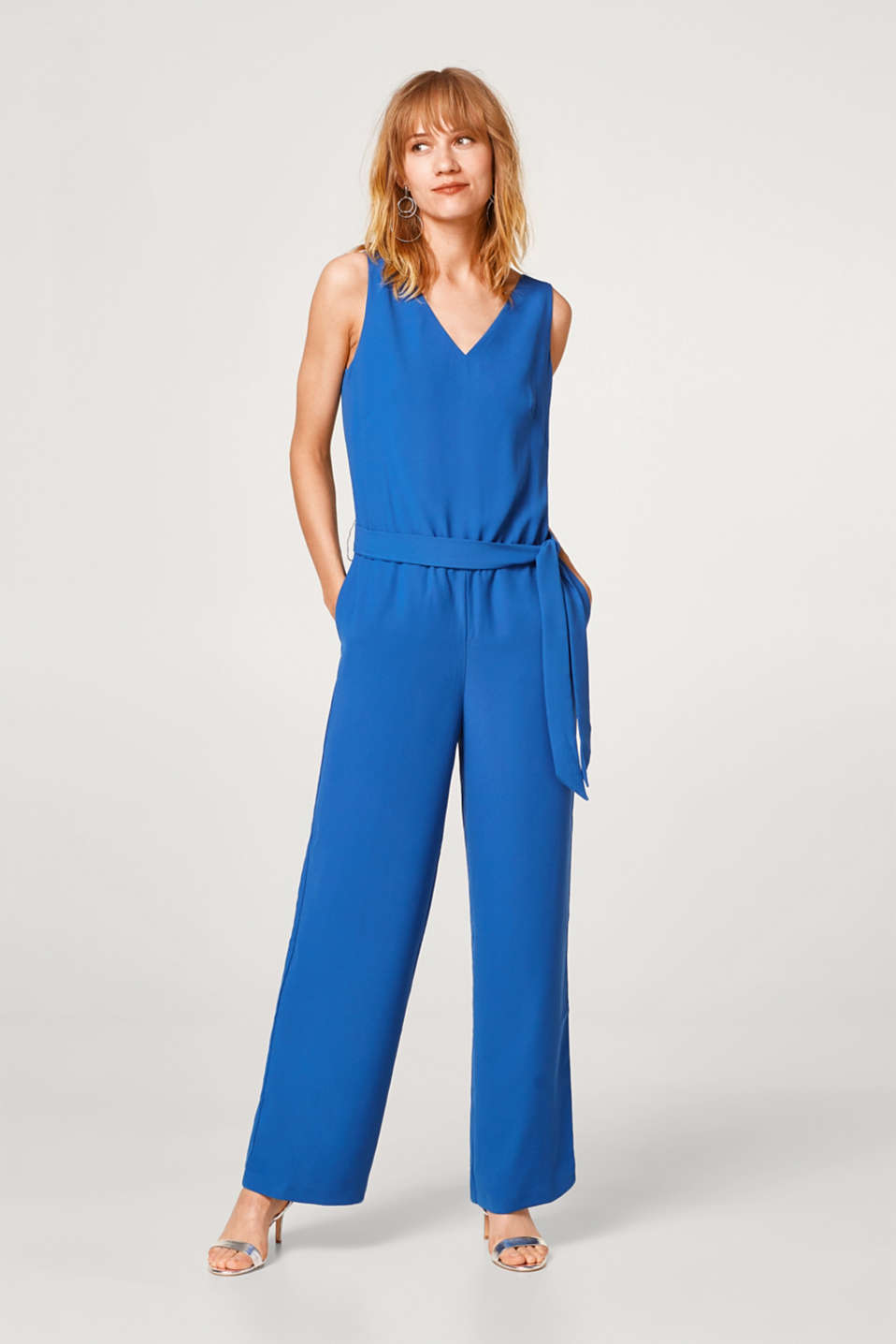 Crêpe jumpsuit with a tie-around belt