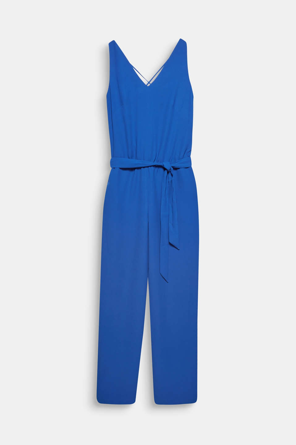 With its sophisticated rear view, tie belt and comfortable cut, this jumpsuit made of softly draped crêpe is an airy, lightweight summer hit!