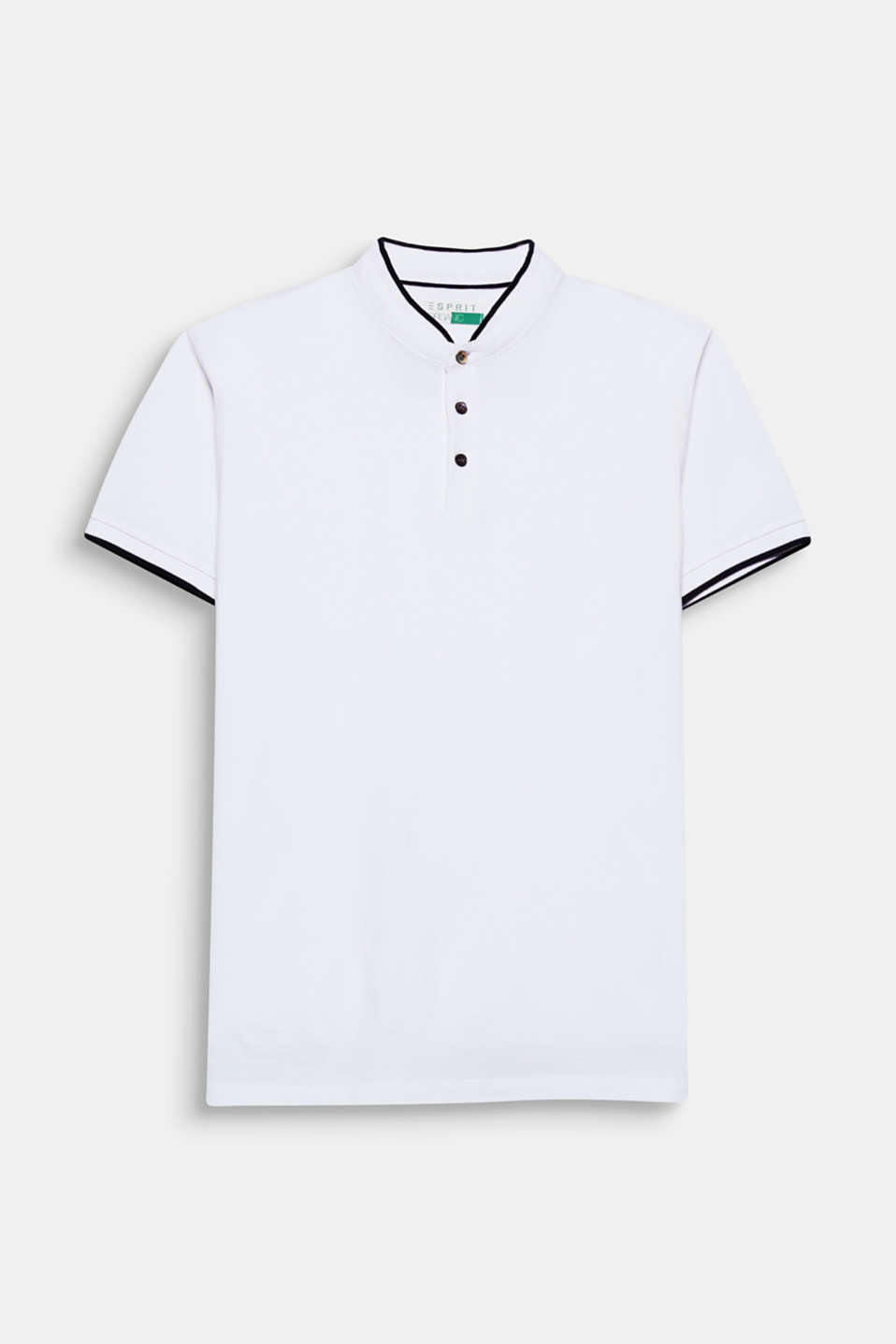The ribbed, stand-up collar is a modern upgrade for your polo shirt.