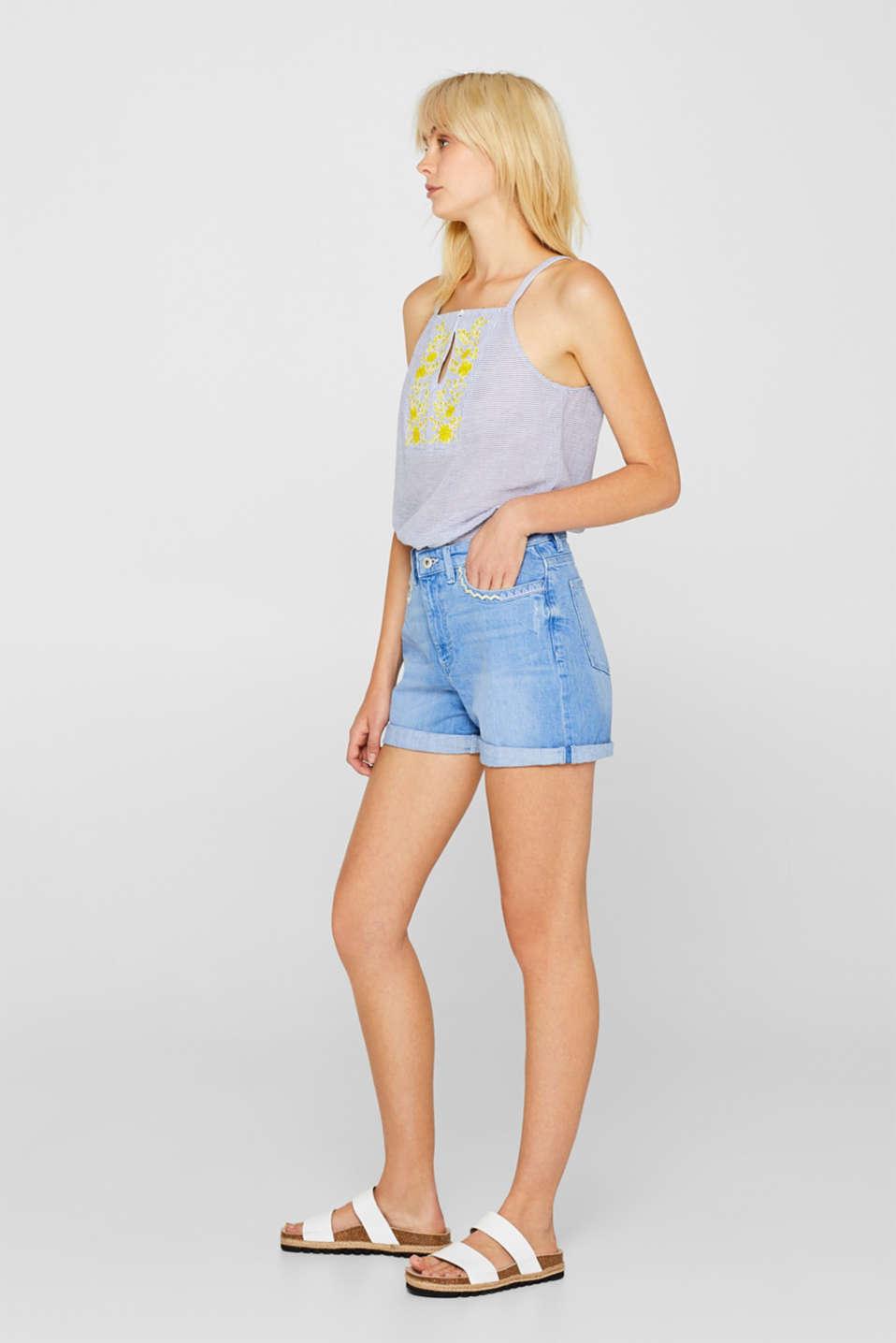 Stretch denim shorts with zigzag stitching, BLUE LIGHT WASH, detail image number 1