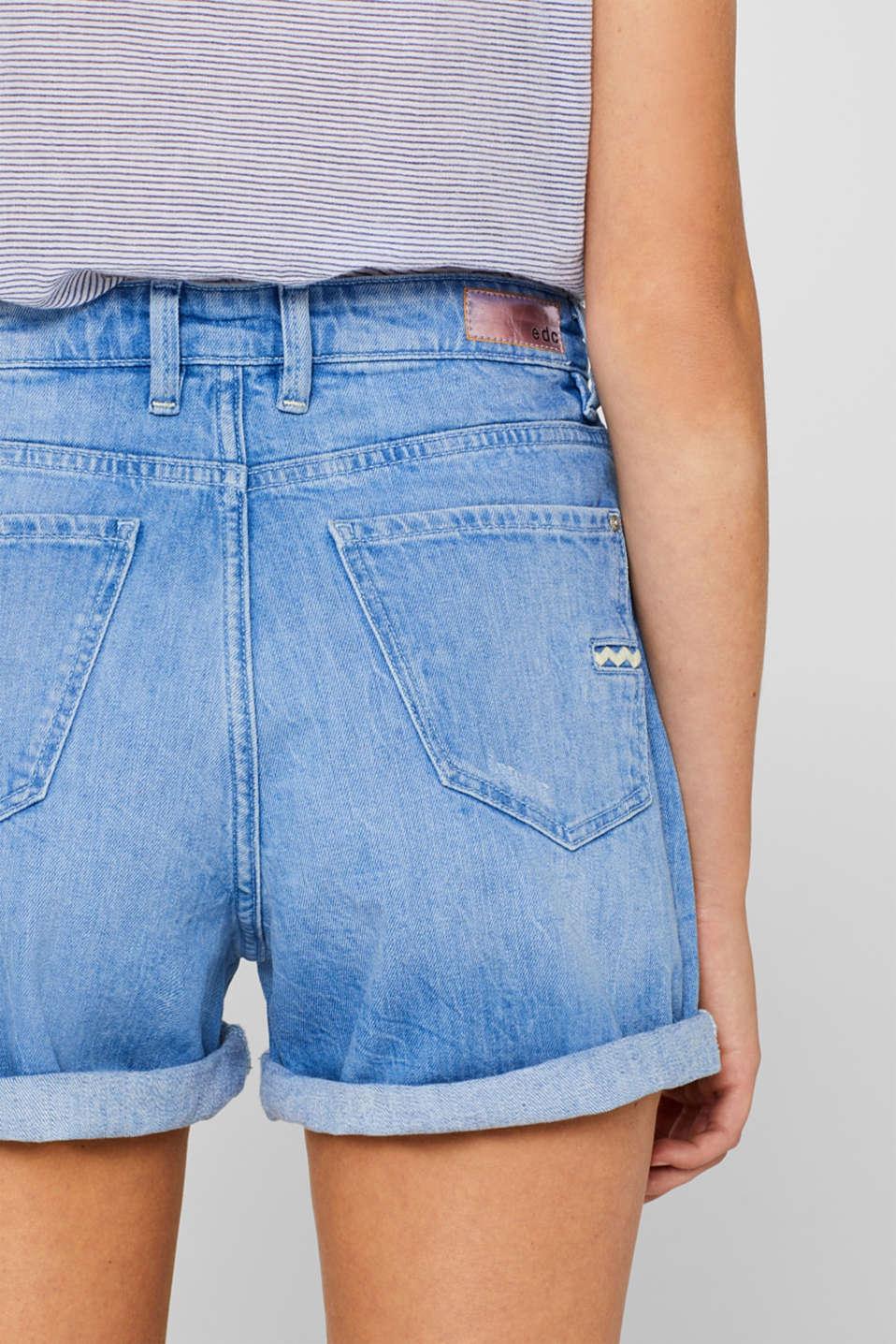 Stretch denim shorts with zigzag stitching, BLUE LIGHT WASH, detail image number 5