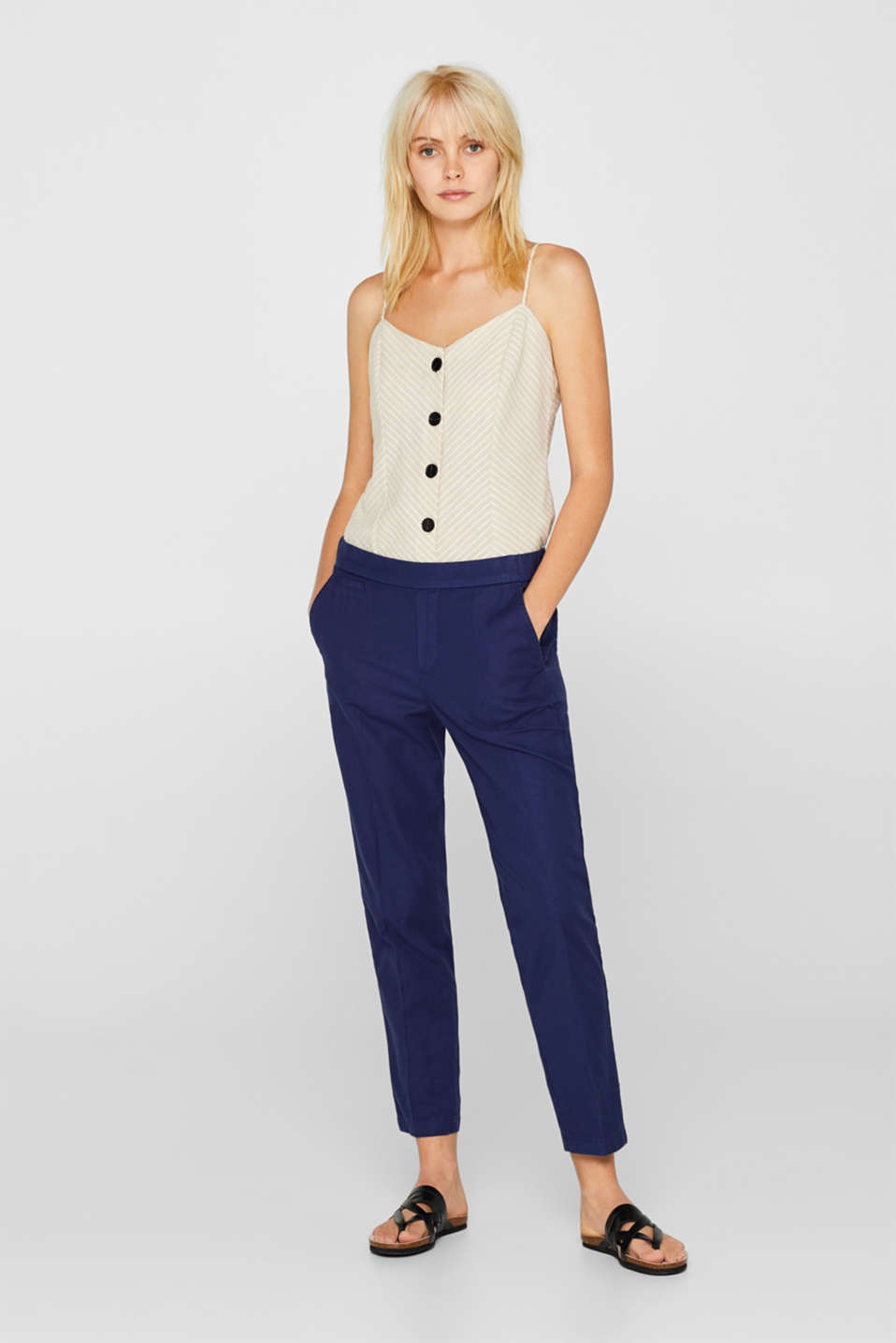 Esprit - Linen blend: Ankle-length trousers in a tracksuit bottom style