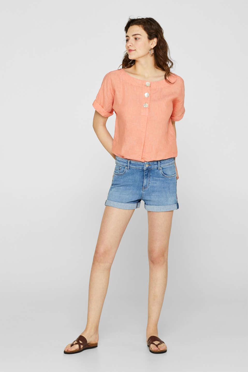 Stretch denim shorts containing organic cotton, BLUE LIGHT WASH, detail image number 1