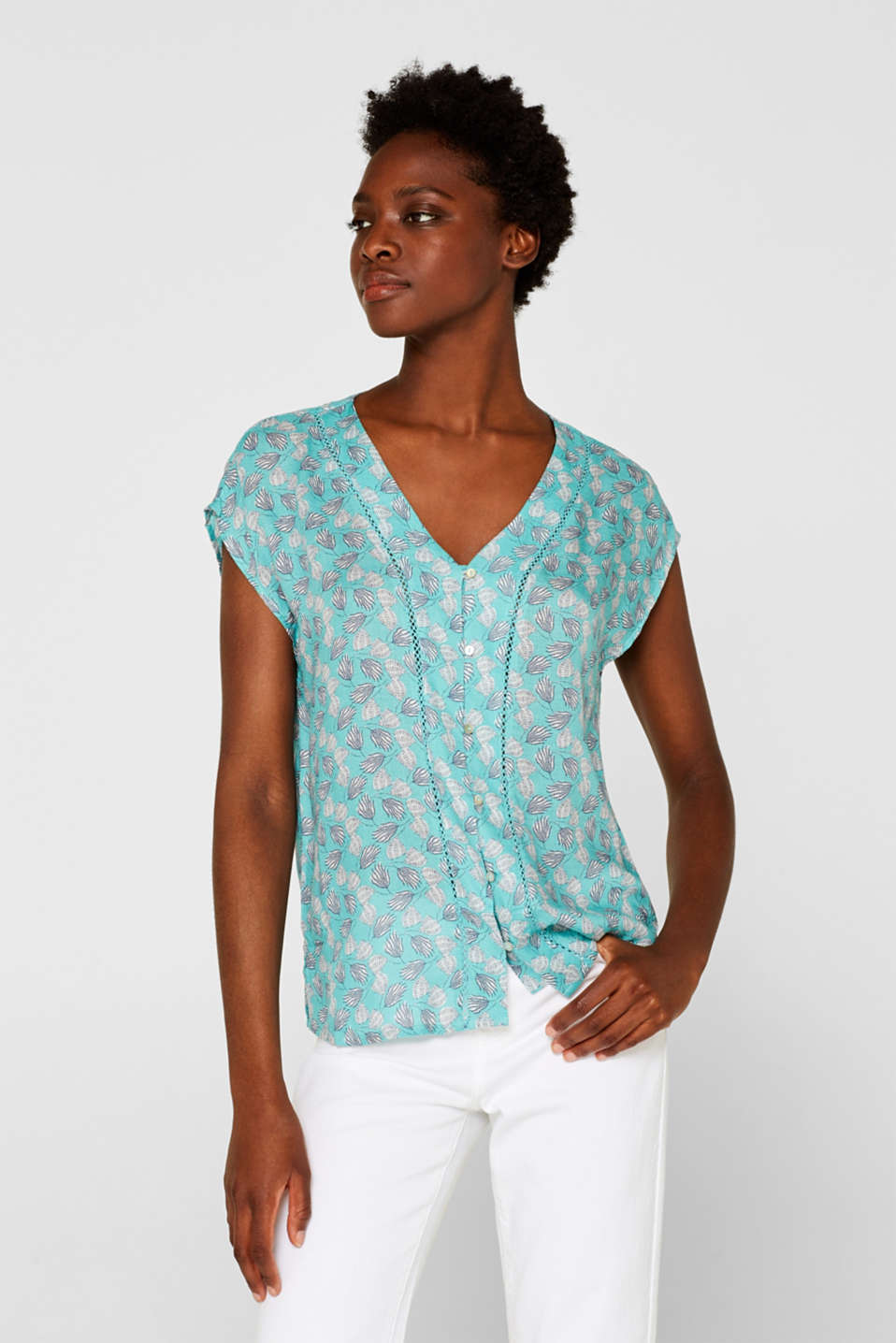 Esprit - Crêpe blouse with a print and openwork pattern