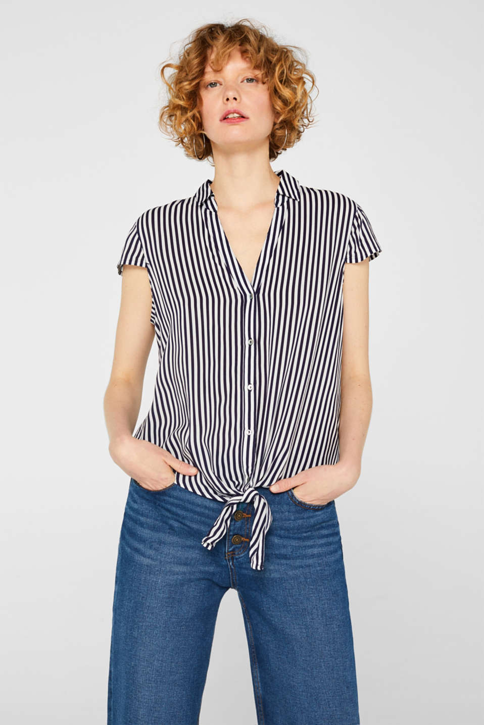 Esprit - Blouse top with a knot detail and LENZING™ ECOVERO™
