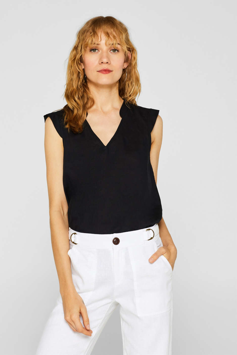 Esprit - Made of blended linen: blouse top with flounce details