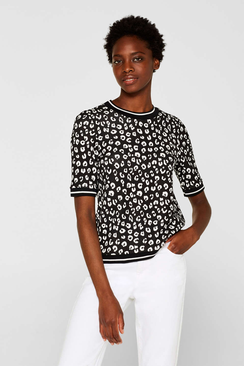 Esprit - Short sleeve sweatshirt with leopard print and stretch