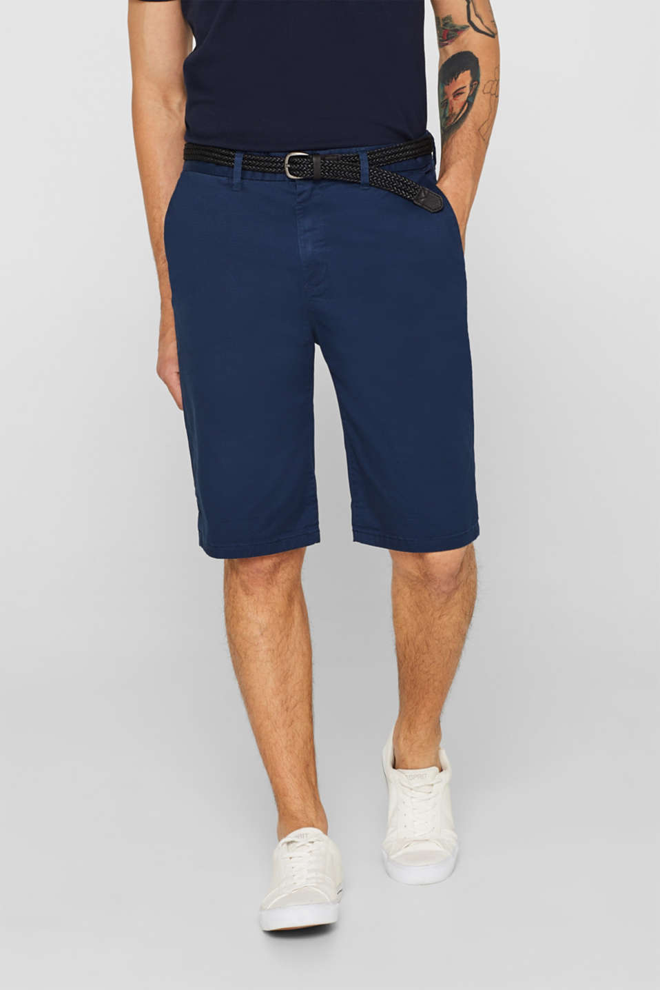 Esprit - Stretch cotton chino shorts with a belt