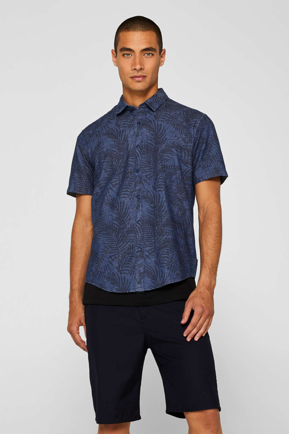 Esprit - Short sleeve shirt with tropical print, 100% cotton