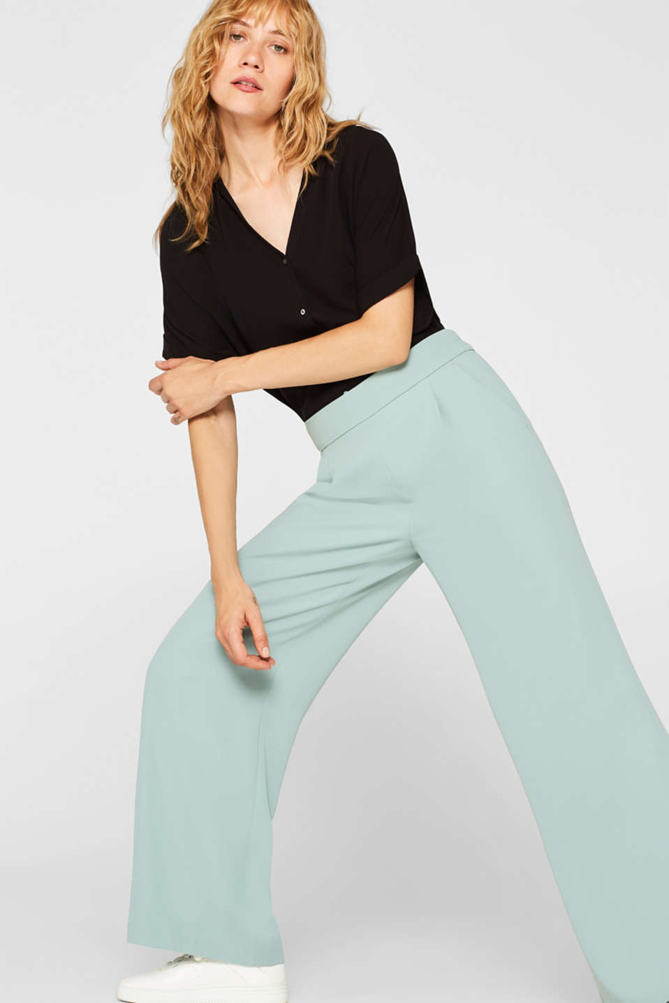 Palazzo trousers with texture and elasticated waistband