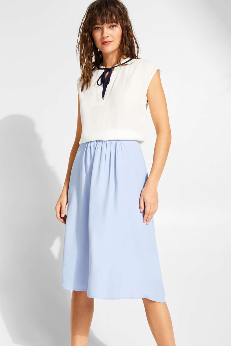 Esprit - Woven skirt with a slightly flared silhouette