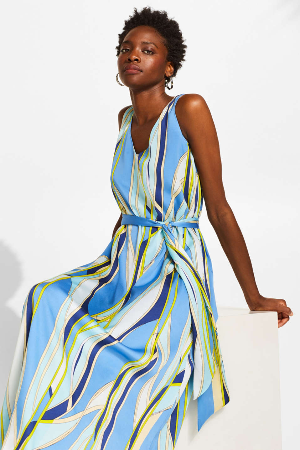 Satin maxi dress with a psychedelic print
