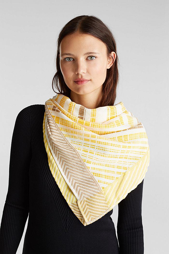 Šátek s grafickým etno potiskem