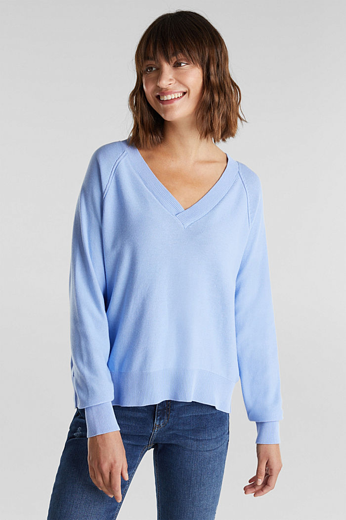 V-neck jumper made of 100% organic cotton