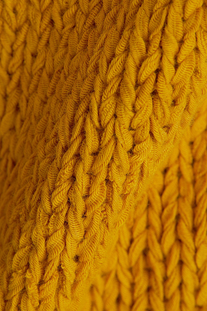 Sleeveless knitted top in ribbon yarn, BRASS YELLOW, detail image number 4