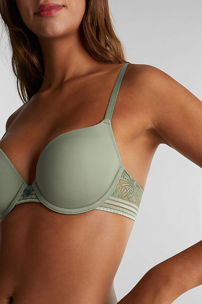 Padded underwire bra with lace