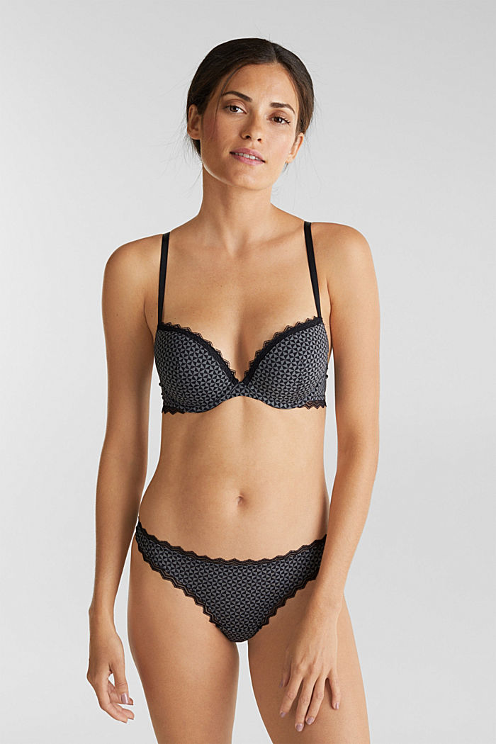 Push-up bra trimmed with lace