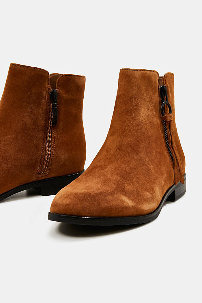 Ankle boots made of 100% leather
