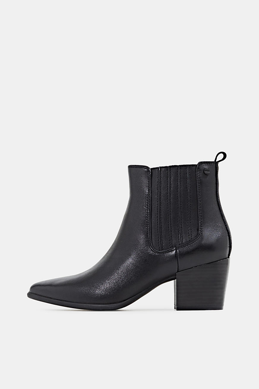 Ankle boots made of 100% genuine leather