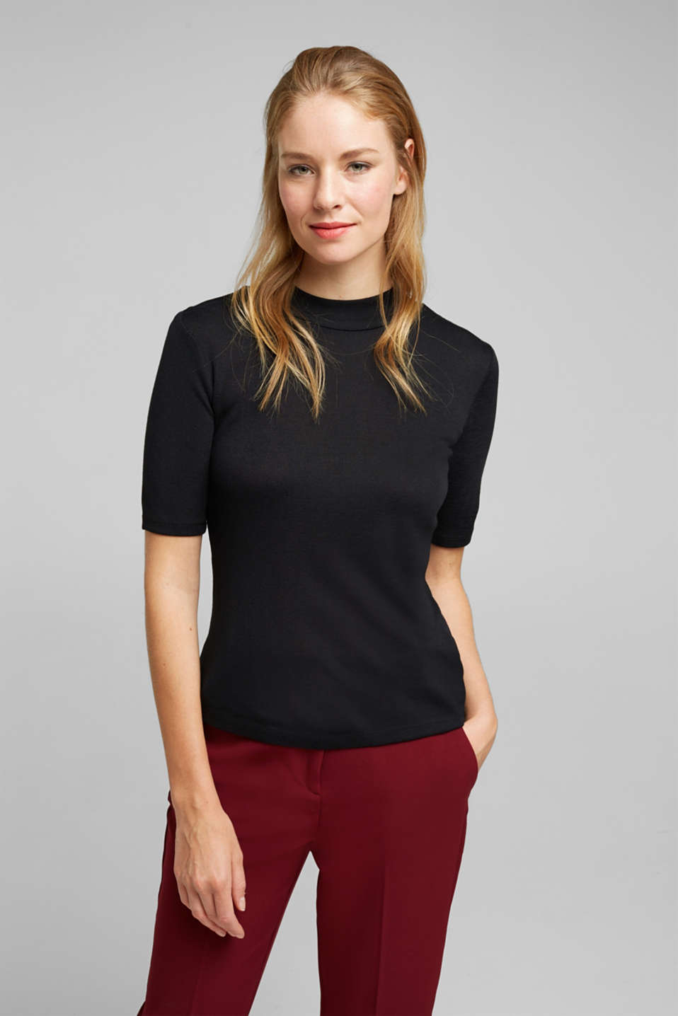 Esprit - Stand-up collar made of ribbed jersey