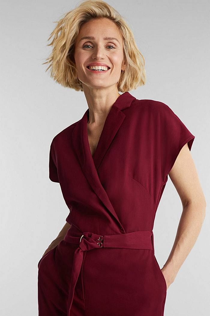 Made of LENZING™ ECOVERO™: Jumpsuit, BORDEAUX RED, overview